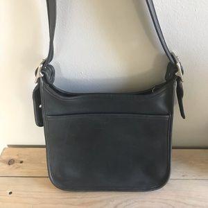 Coach Bags - Coach Vintage Shoulder bag